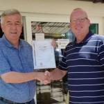 Goldene Verdienstnadel des FLVW für Uli Bigge vom TuS Voßwinkel