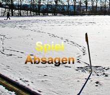Schnee auf Fußballplatz in Schwitten - Spiele fallen aus  Foto: Marcel Näpel
